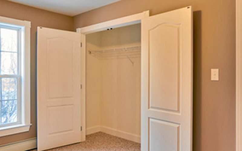 modular home closet